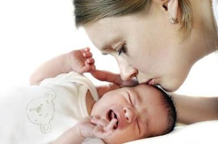 Беспокойство и плач новорожденного