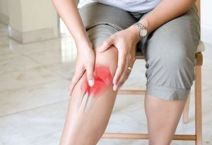 Шипы в суставе колена