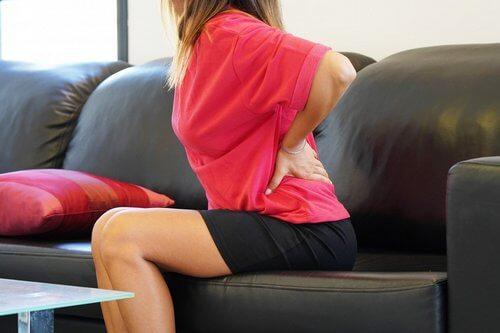 При вставании причина острой боли в пояснице - спазм