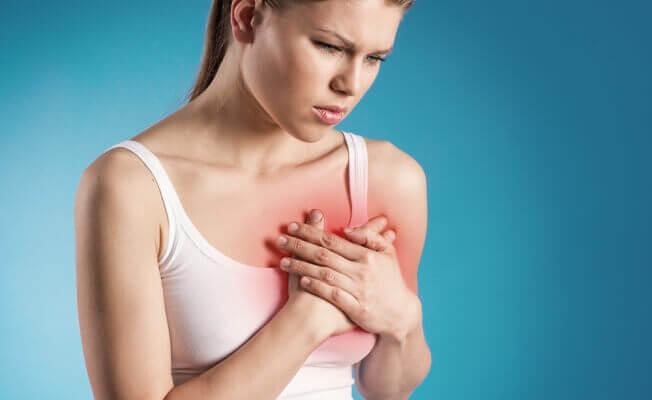 Болевые ощущения в зоне сердца