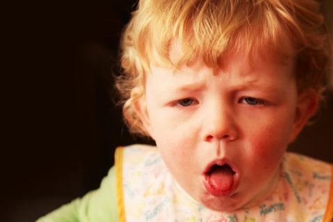Бронхопневмония у ребенка начинается с респираторных проявлений