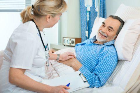 Часто требуется госпитализация пациента.
