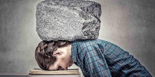 психосоматика болит спина между лопатками