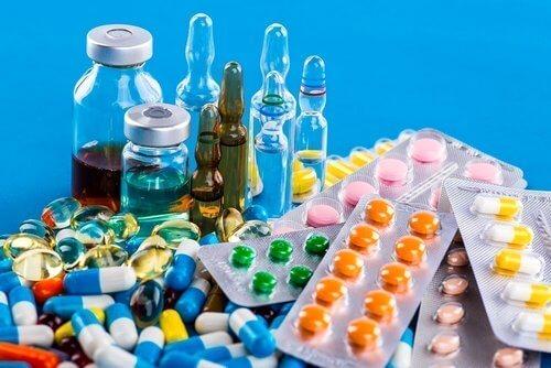 шейно грудной остеохондроз симптомы и лечение медикаментами
