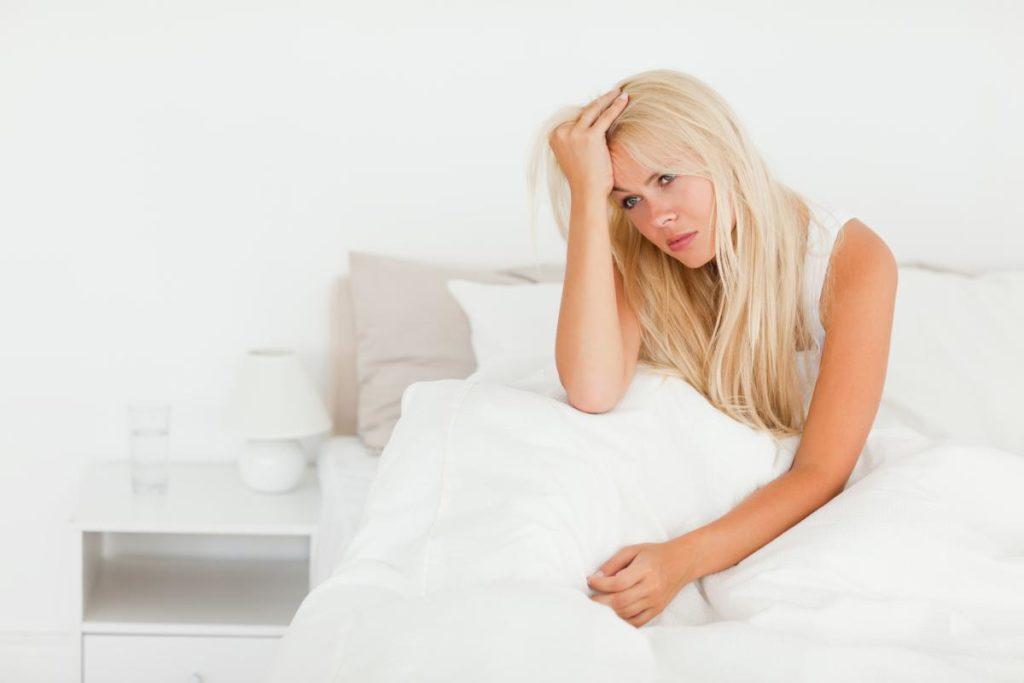 Трясёт ночью во сне и по утрам: возможные причины и методы решения проблемы