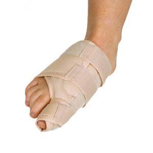 Протектор от косточки на больших пальцах ног
