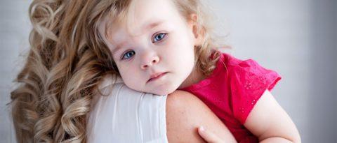 Главное при одышке в ожидании врача – успокоить ребенка