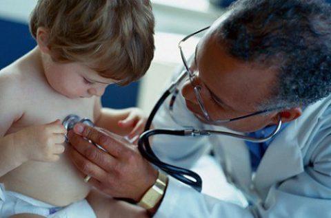 К какому врачу следует обращаться при наличии первых подозрений на туберкулез.
