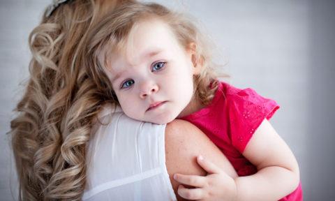 Какие признаки могут подтверждать факт развития пневмонии у ребенка.