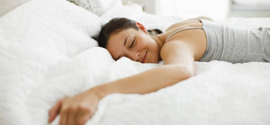 Немеют руки во время сна: как избавиться от неприятного ночного симптома
