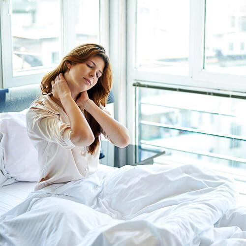 почему болят мышцы спины вдоль позвоночника после сна
