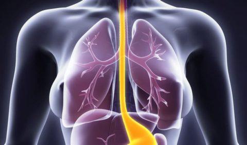 Осложнения возникают на фоне сопутствующих заболеваний легких.