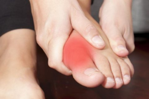 Основные причины, которые провоцируют нарушение целостности фаланги пальцев на ногах