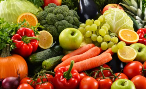 Овощи и фрукты в любом виде – это полноценный источник витаминов, необходимых организму для борьбы с туберкулезом.