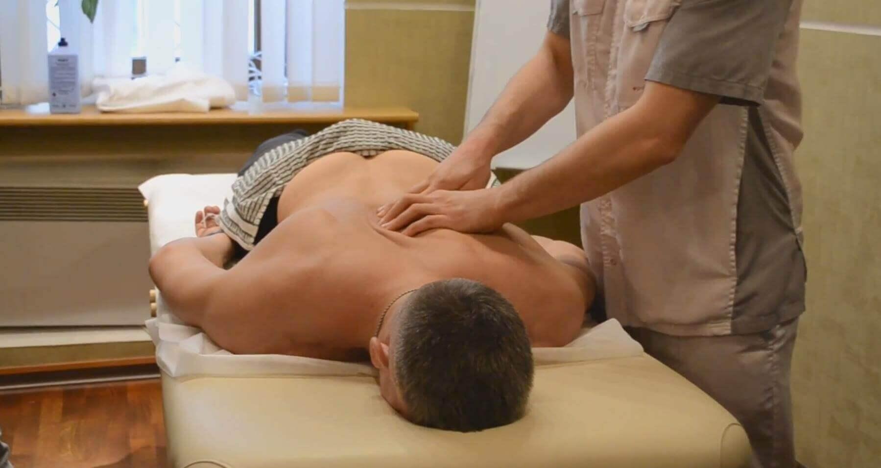 Как делают пальпацию спины