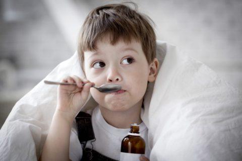 Пневмония с плевритом у детей проявляется редко, но своевременная терапия гарантирует выздоровление.