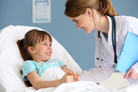 Пневмония у детей должна лечиться исключительно в условиях стационара.