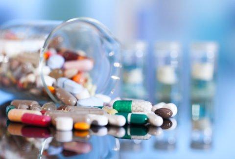 Пневмонию лечат исключительно антибиотиками