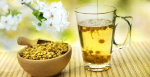 Помимо оказания целебного эффекта домашние снадобья от бронхита насыщают организм витаминами и повышают общий тонус.