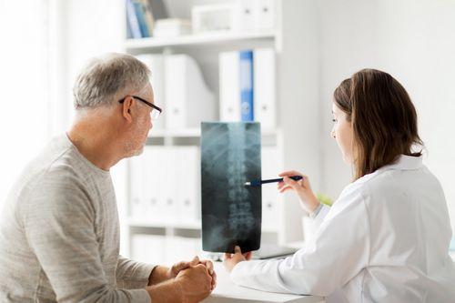 гимнастика при воспалении седалищного нерва врач назначает после обследования