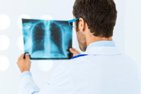 Предотвратить развитие опасных осложнений можно при условии своевременного обращения к врачу.