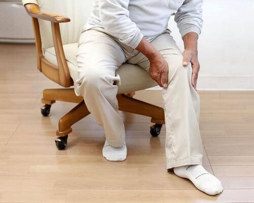 При грыже боль отдаёт в ногу