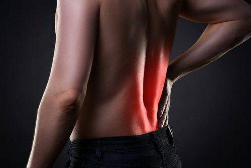 Невралгия вызывает приступообразную боль в спине