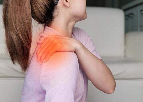 Стресс причина боли в середине спины