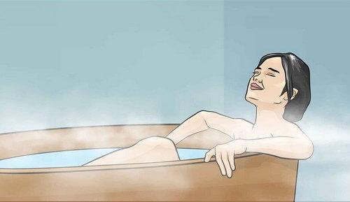 Горячая ванна при боли в пояснице