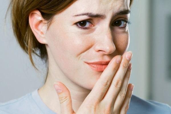 Неприятный вкус во рту может сигнализировать о разных заболеваниях