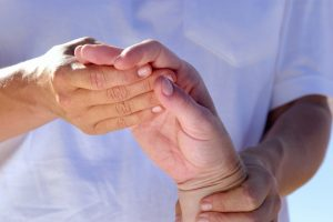 Причины и лечение обострений ревматоидного артрита