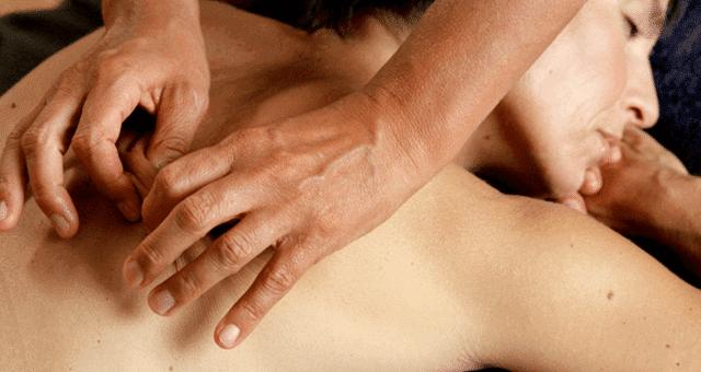 Соединительнотканный массаж спины