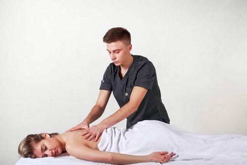 после массажа болит спина что делать